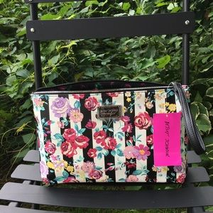 Betsey Johnson Printed Pebble Wristlet Bag NWT